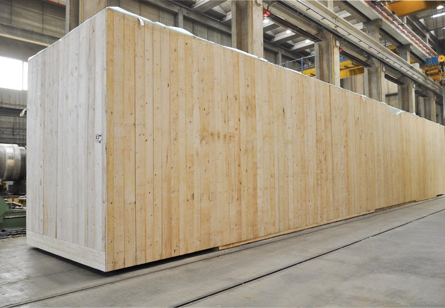 cassa in legno per macchinario industriale